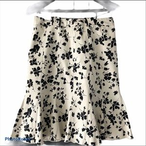 ! Floral A Line Skirt Flared